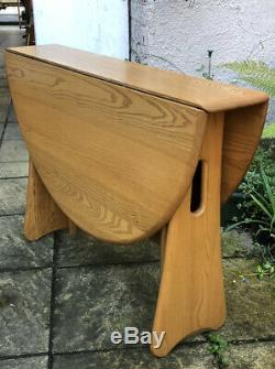 Fine Modern Ercol Extending Dining Table Very Clean Condition We Deliver
