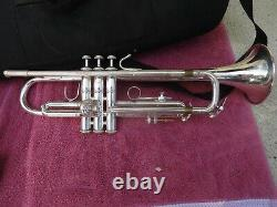 VERY FINE Bach Omega Trumpet silver with fine gig bag