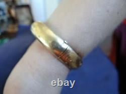 Very Fine Antique Engraved 14K Solid Gold Bangle Bracelet