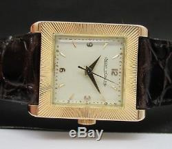 Vintage & Very Fine Jaeger LeCoultre, 18 kt solid gold, made in 50's, ref. 2269